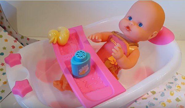 nenuco en su bañera